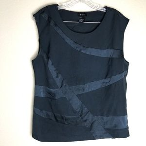 RQT Navy Blue Sleeveless Blouse M